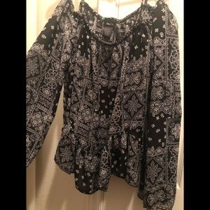 Large black and white flowy top